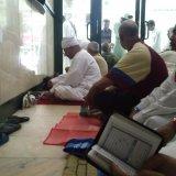 Solat Jemaah Dalam Hotel Hijjaz - Haji 2009 (06)