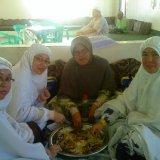 Makan Nasi Mandi di Restoran Yemen di Wadi Qudait - Gambar Ihsan Shaha Bahar Rapiei